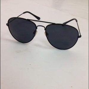 Other - Black aviators glasses